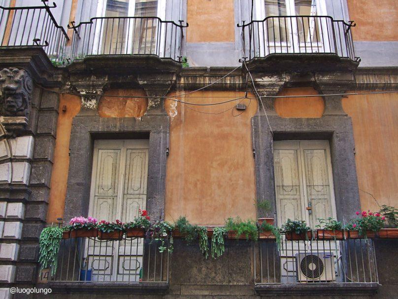 Dettaglio di Via Monte di Dio_Napoli_luogolungo