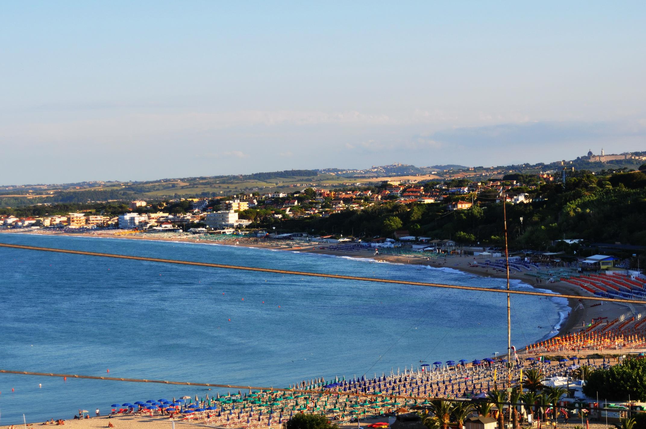 5 GIORNI sulle spiagge della Riviera del Conero Belvedere Piazza Nuova_ Numana