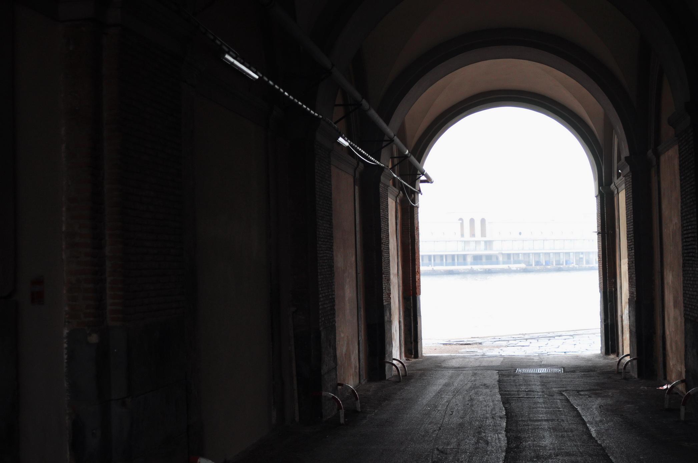 foto con raffigurato Tunnel Molo San Vincenzo Napoli