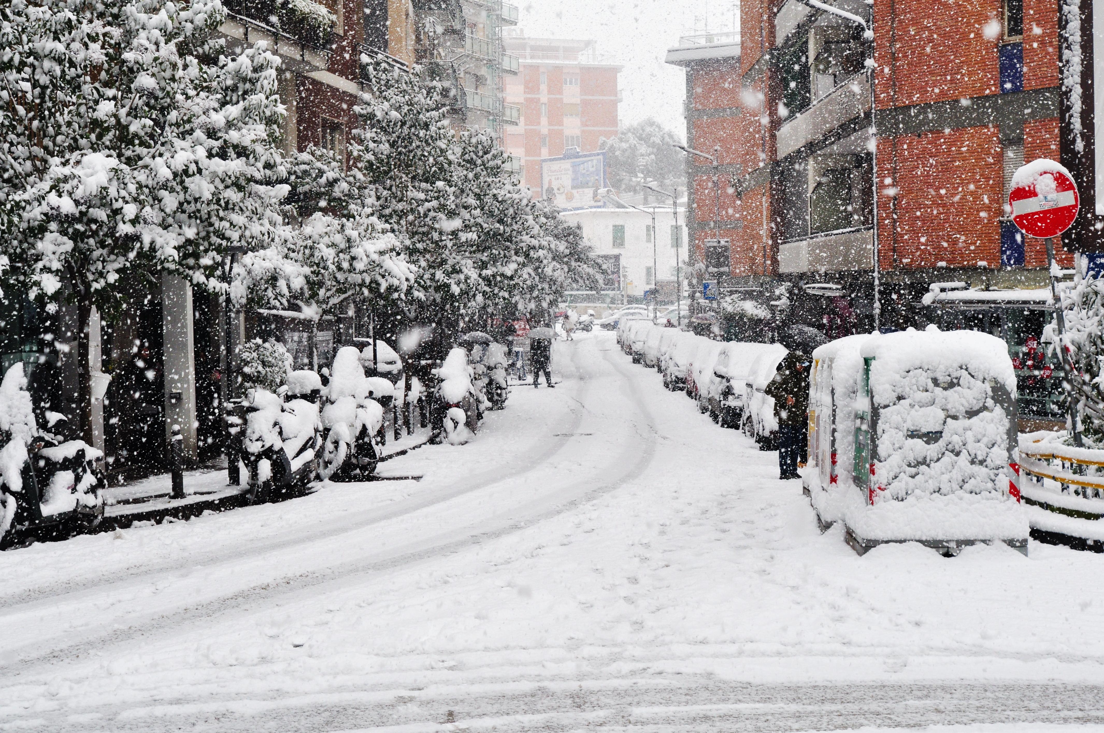 foto con raffigurato Via Giulio Palermo sotto la neve