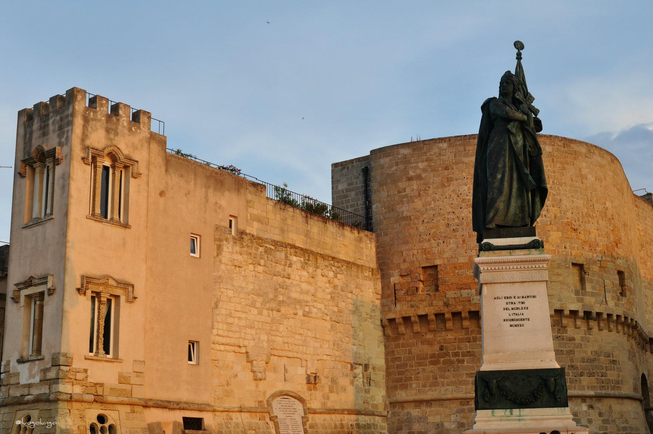 PIazza degli Eroi_Otranto_luogolungo