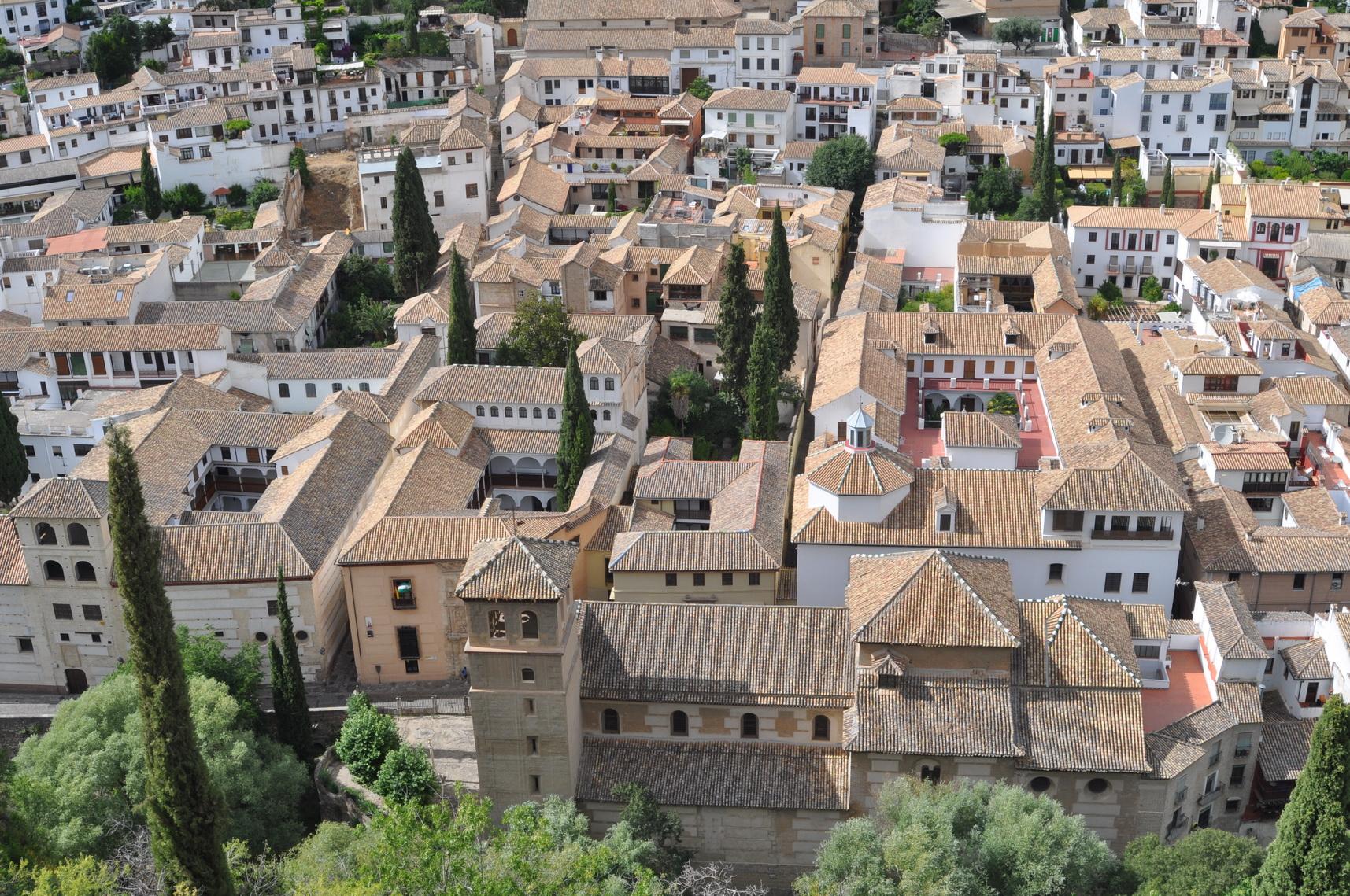 A Granada non puoi perderti l'Alhambra