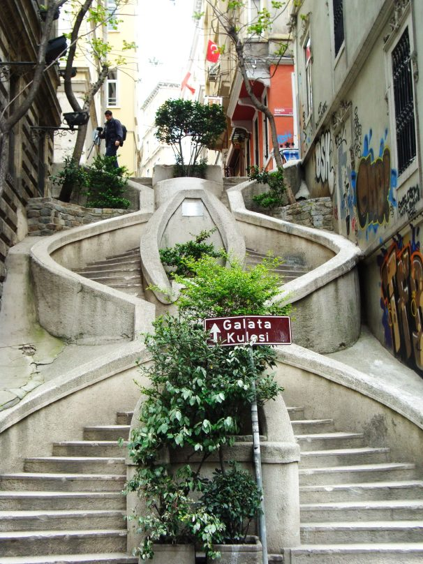 ISTANBUL_Scalinata di Camondo_luogolungo_1