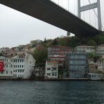 Sul Bosforo                                                                ISTANBUL : Una megalopoli nel mezzo