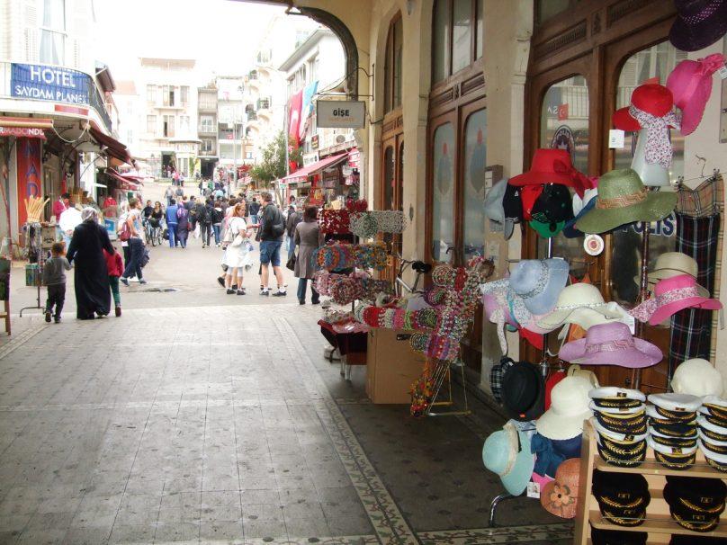 Büyükada_Istanbul_luogolungo_14