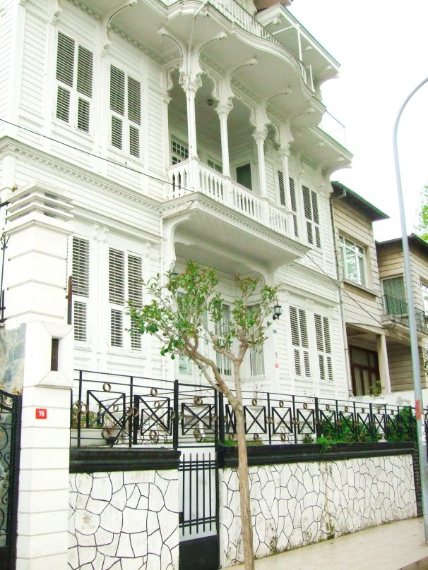 Büyükada_Istanbul_luogolungo_19