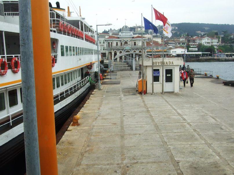 Büyükada_Istanbul_luogolungo_22