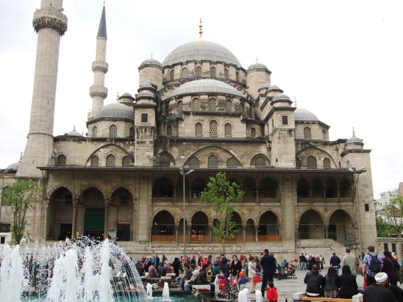 Moschea Nuova_Istanbul_luogolungo_2