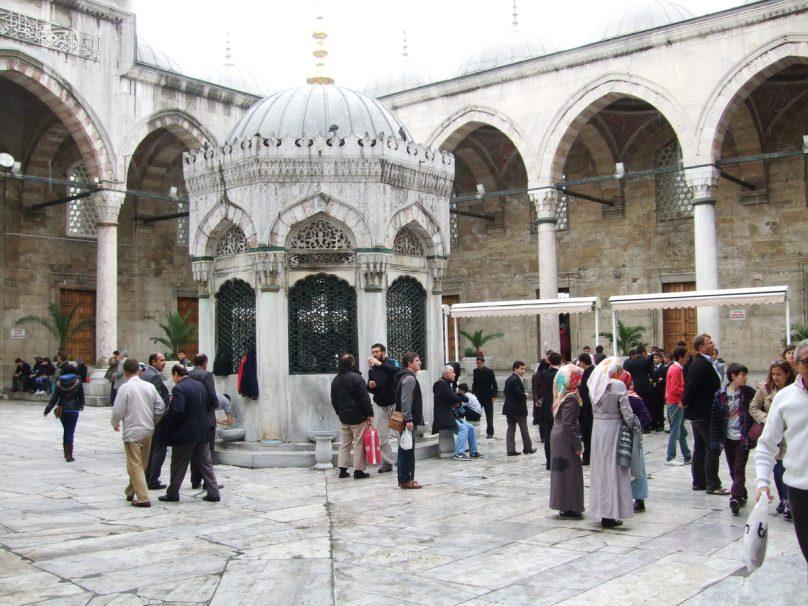 Moschea Nuova_Istanbul_luogolungo_3