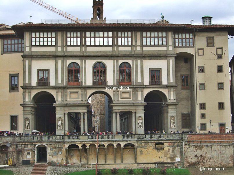 Foto agli Uffizi dall'Oltrarno