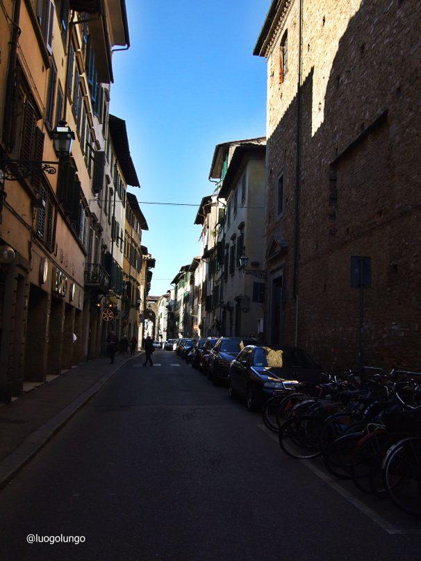 San Frediano Oltranno nella Firenze dell' OLTRARNO che rimane un po' fuori dal giro turistico